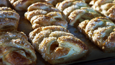 Specialty Bakery Apple Strudel